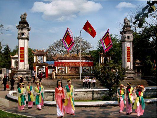 Vòng quanh Xứ Nghệ bài hát với đầy đủ địa danh của Nghệ An