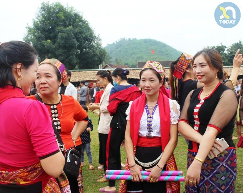 Chợ phiên Mường Chon - Du lịch Con Cuông Nghệ An