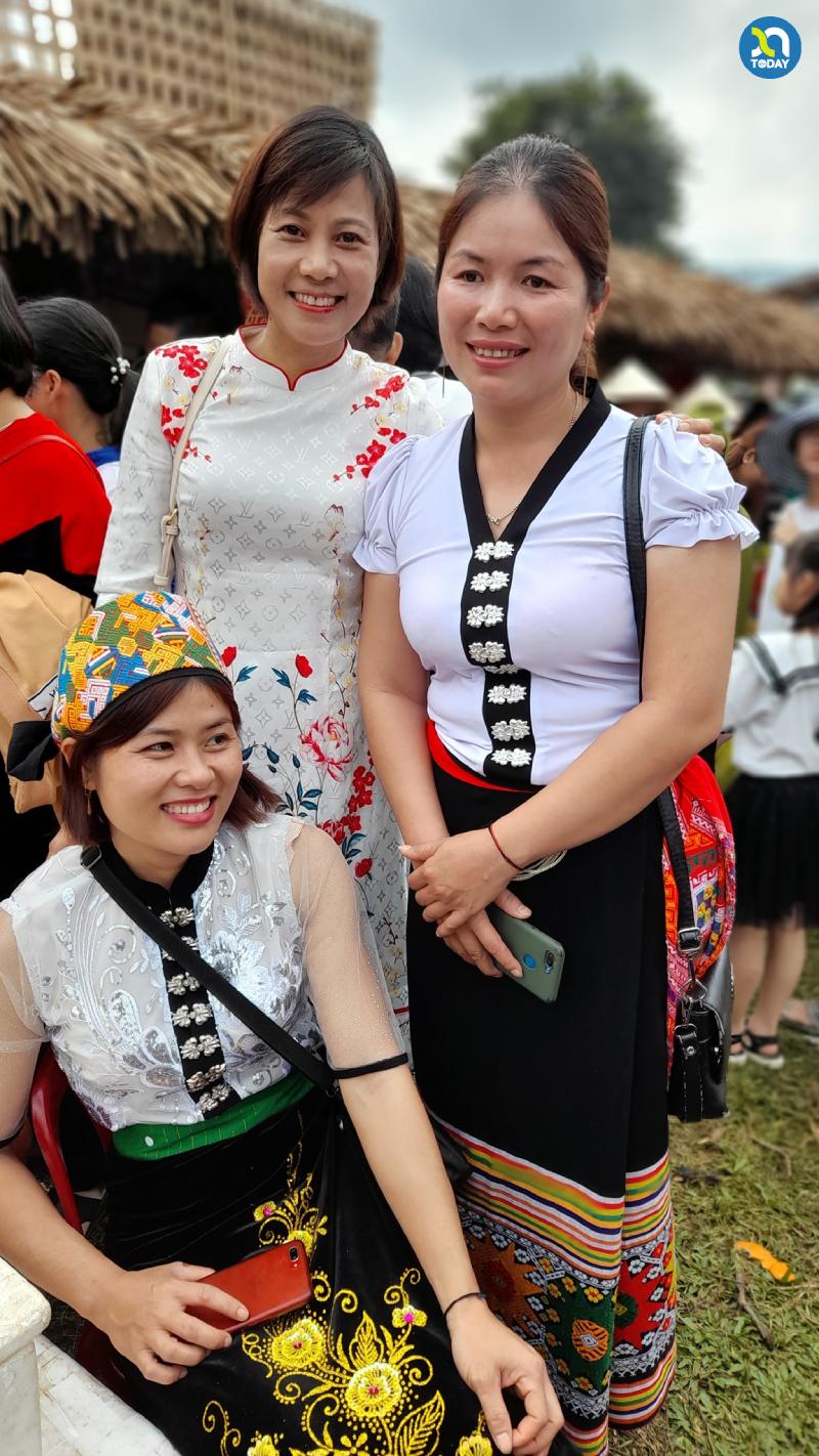 Chợ phiên Mường Chon - nét đẹp văn hóa đồng bào Thái