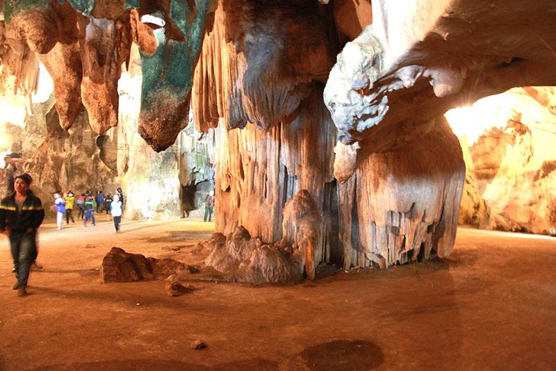 Hang Bua kỳ quan thiên nhiên ở miền Tây xứ Nghệ 1