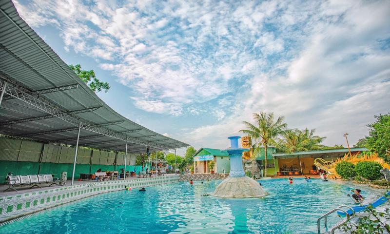 Bể bơi Naga