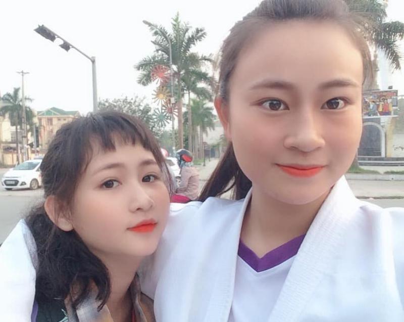 Đội bóng chuyền nữ thôn Tân Thịnh