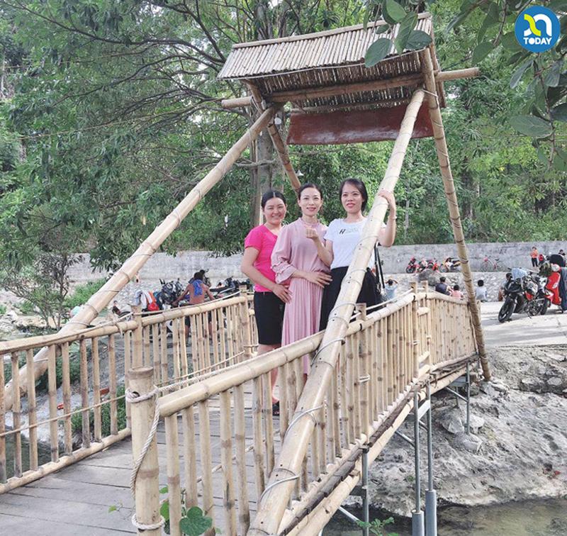 Khe nước mọc Du lịch Con Cuông