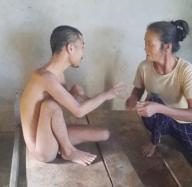 Hoàn cảnh đáng thương của người mẹ già yếu