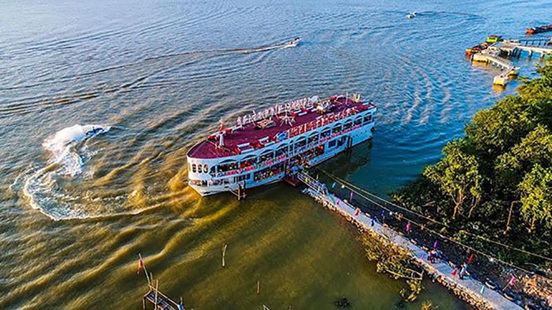 Du thuyền sông Lam khám phá vẻ đẹp non nước xứ Nghệ