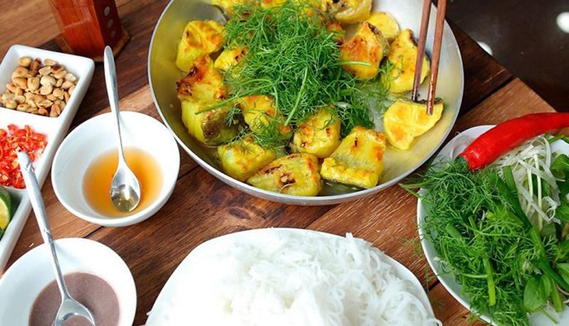 Quán ăn ngon ở Hà Tĩnh - Nhà hàng Ý Gia - Chả cá phố cổ