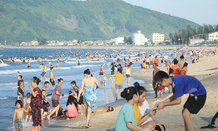 Du lịch biển Thiên Cầm Hà Tĩnh trong những ngày hè