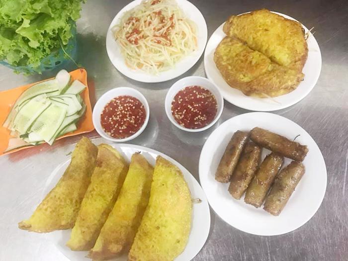 Quán ăn vặt Hà Tĩnh bánh Xèo số 74 Hà Huy Tập
