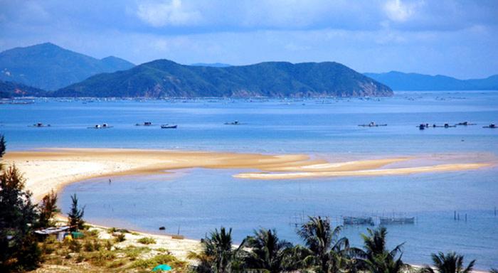 du lịch Hà Tĩnh biển Thiên Cầm Hòn Bớc
